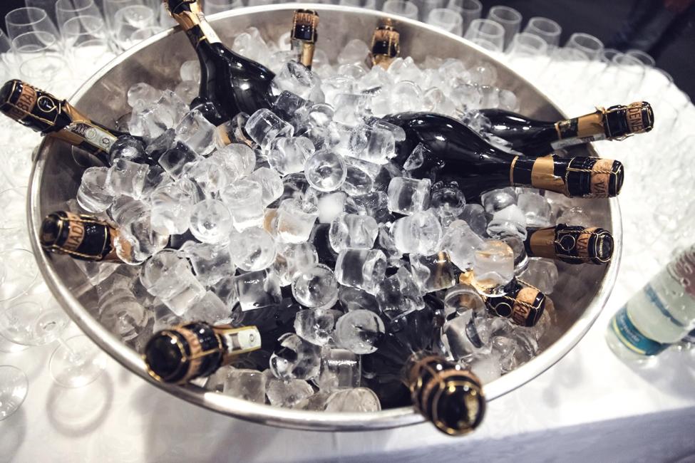 pop-them-champagne-drinks-alcohol