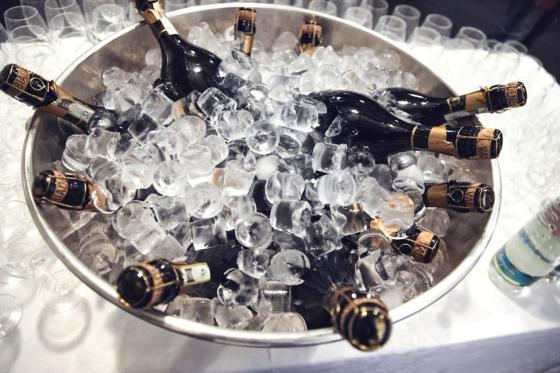 pop-them-champagne-venuescape
